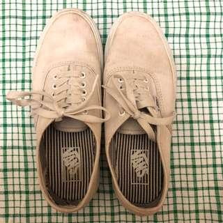 VANS WHITE SHOES