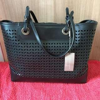Charles n keith bag hitam original new