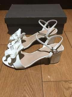 Charles and Keith white floral heels (sz 8)