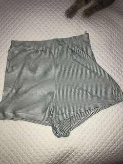 Verge girl shorts