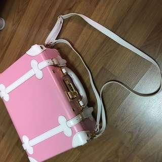 Pink small briefcase