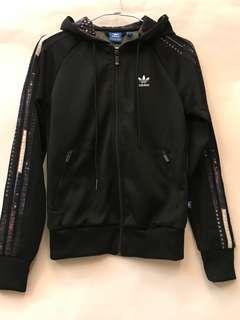 Adidas城市系列連帽T外套