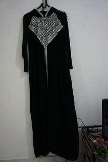 Dress / abaya