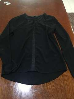 Womans black longsleeve