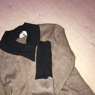 The Mod House Brown Top with Black Sleeves