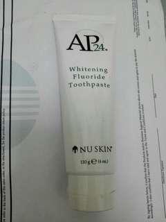 Whitening fluoride