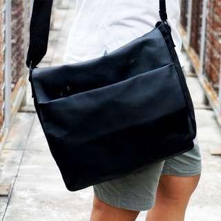 Candies Messenger Bag black