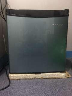 Ezy mini fridge