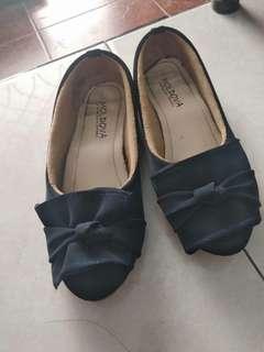 Sepatu sendal #TiUbl