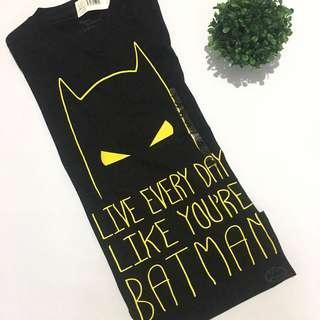 Auth BNWT DC batman tshirt
