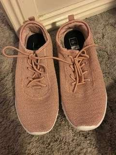 Runners size 7