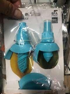 🚚 取檸檬汁神器  檸檬切除頭部後放入噴霧器 即可方便取出檸檬汁唷
