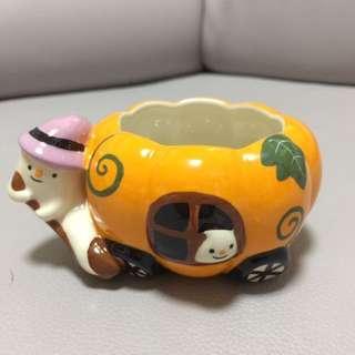 全新!萬聖節 南瓜車 紫色帽小鬼 造型 陶瓷杯 / 擺設