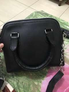 Casual sling bag