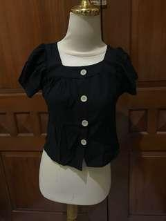 BLACK BUTTONED TOP