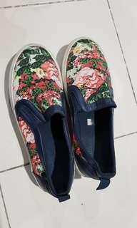 REPRICED!!MISSY FLORAL SLIP ON