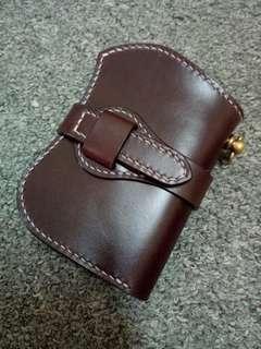 Abrasivato leather vertical short wallet