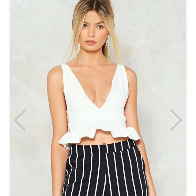 e10c26bb60a INSTOCK White Plunge Crop Top, Women's Fashion, Clothes, Tops on ...