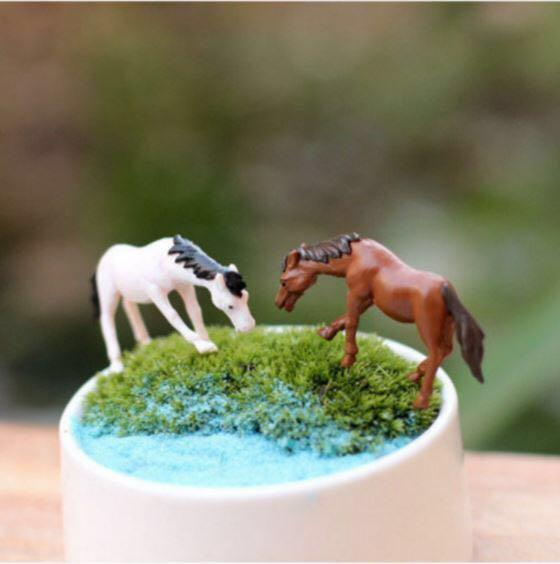 Animal Figurines: Horse/Miniature Animal For Terrarium