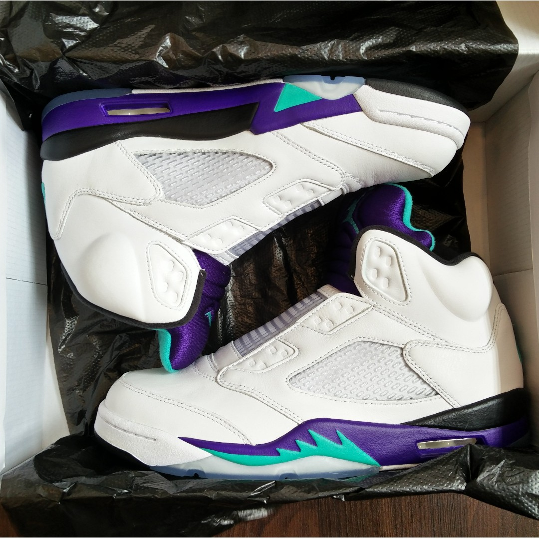best sneakers 246dc b368c Laceless Nike Air Jordan 5 Retro Grape