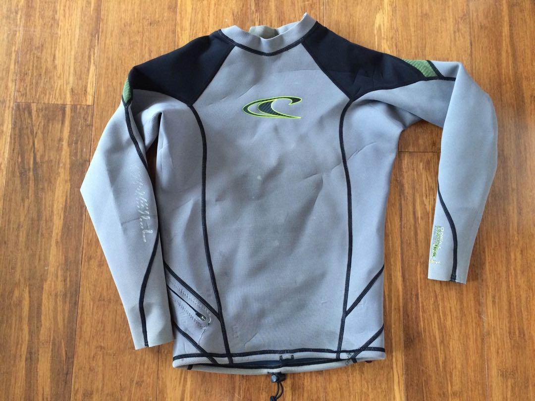O'neill wetsuit top size M