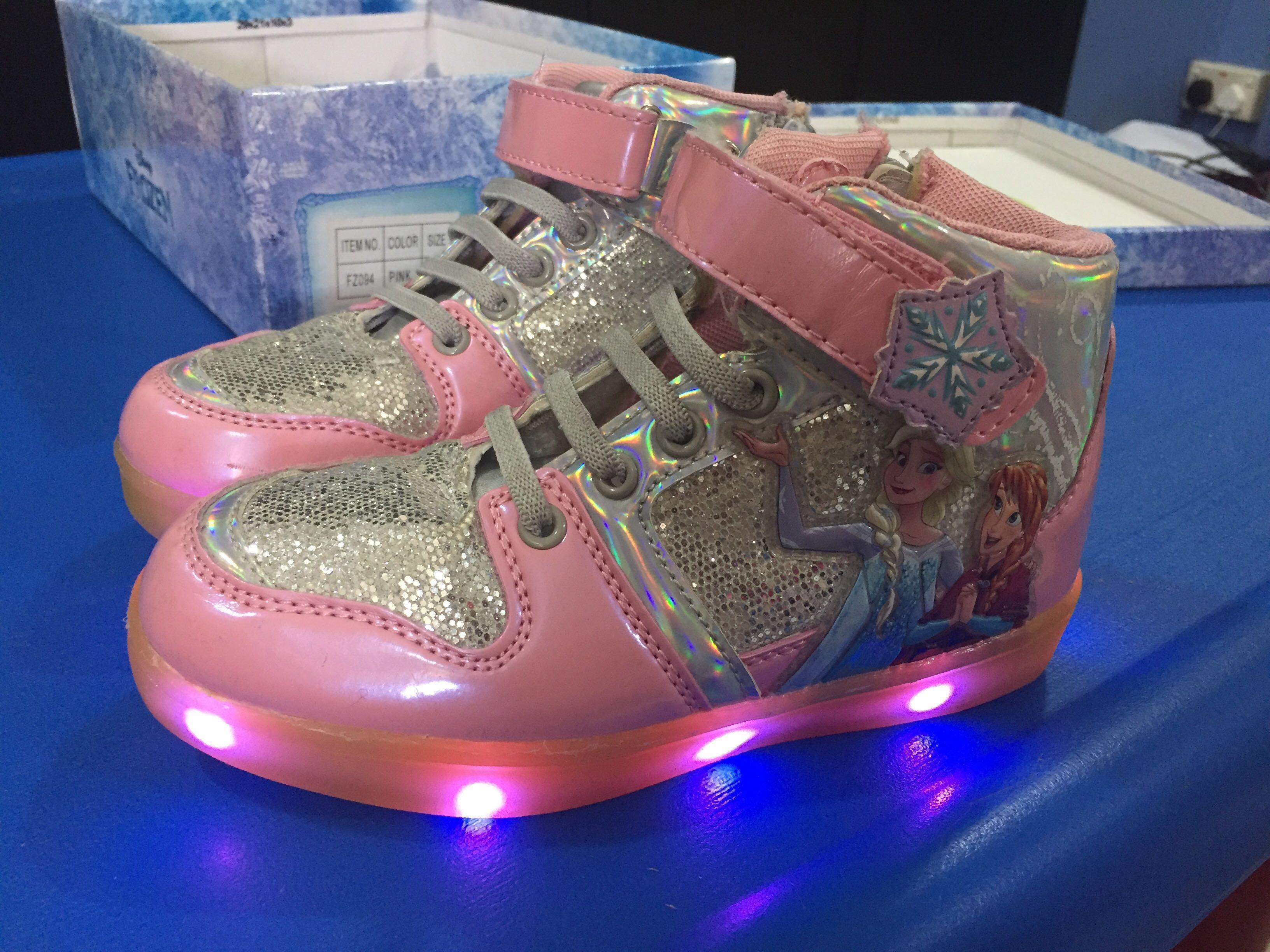 Preloved* Frozen Light Up Shoes