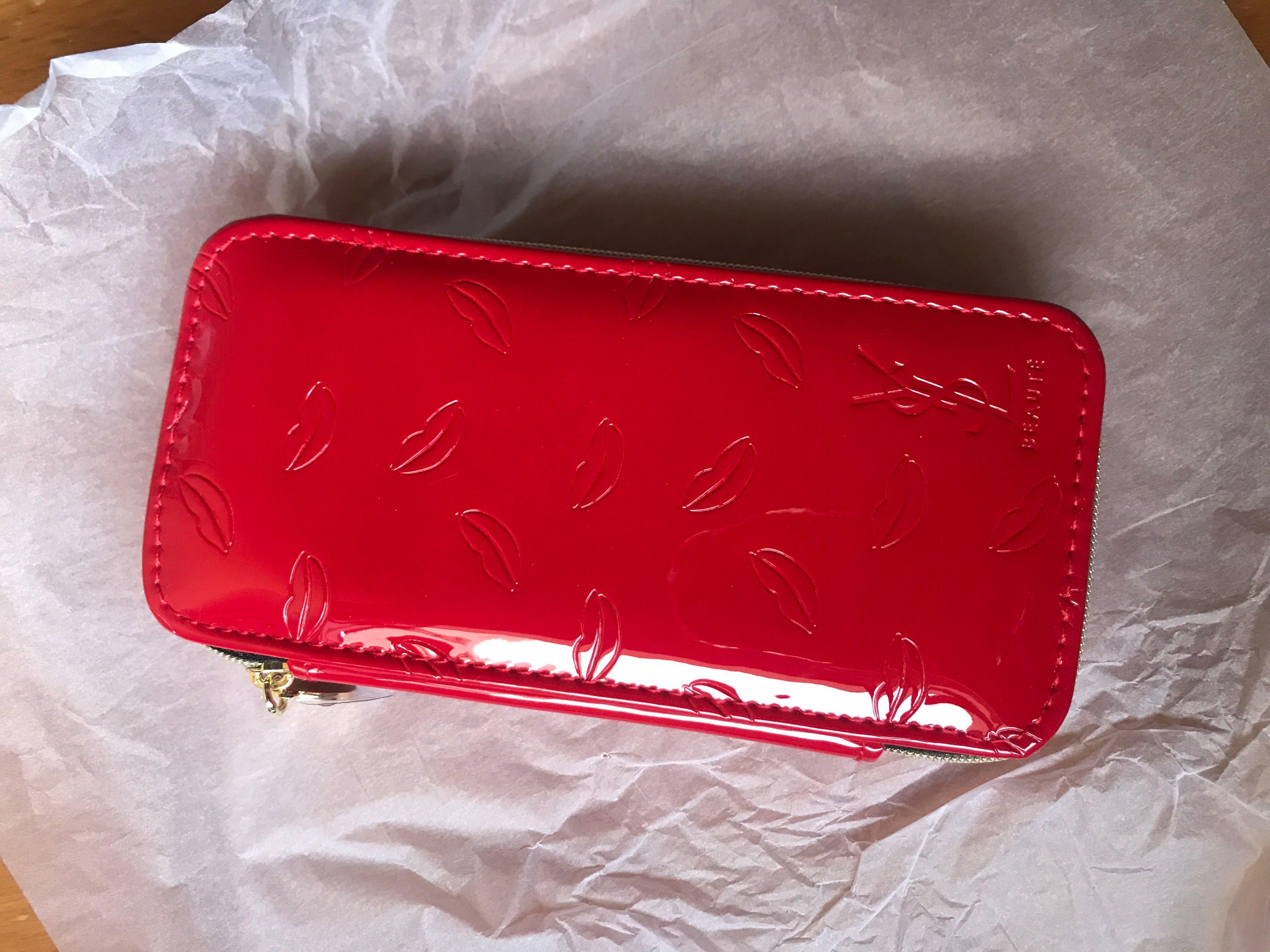 56cee039d52 YSL Travel Make up brush kit, Women's Fashion, Bags & Wallets ...