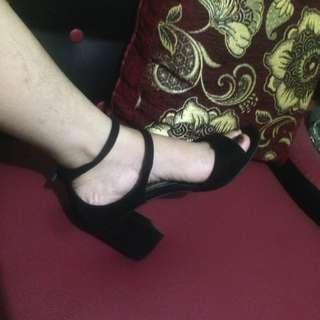 Fladeo Black Heels