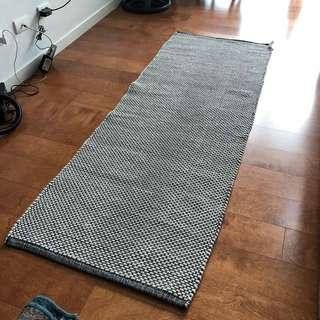 Area rug (H&M Home)