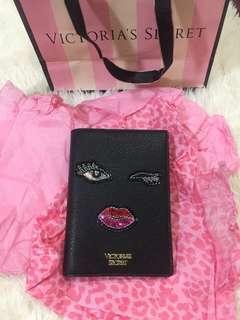💯 Authentic Victoria Secret Passport Holder