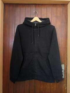 Uniqlo Black Pile Lined zipHoodie sz L