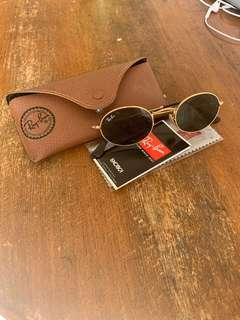 Brand new Ray-Ban flat oval sunglasses RB3547n