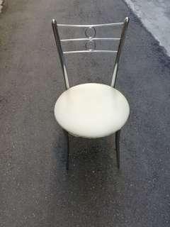 實用化粧椅