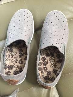 Free waters shoes