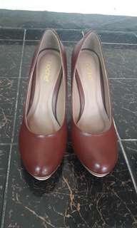 Noche Brown Pump Heels