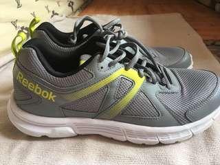 Sepatu Olahraga Reebok Running Original Like New