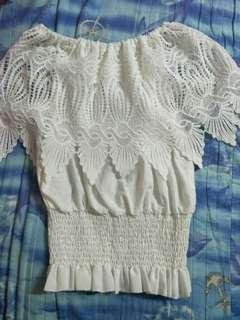 🚚 韓版全新白色蕾絲露肩上衣
