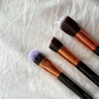 🌹 (BUNDLE) Zoeva Make Up Brushes