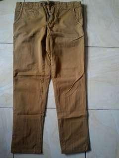 Pull & bear pnb brown chino celana