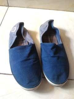 Sepatu hush puppies slip on x vans