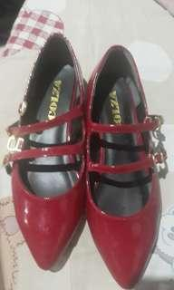 Red flat shoes/doll shoes