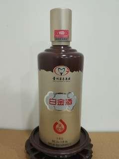 白金酒 濃香型 52%vol 500ml 貴州茅台酒廠(集團)白金酒有限責任公司
