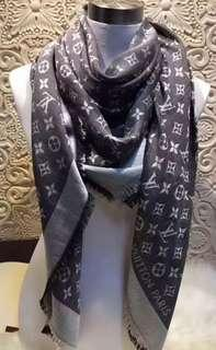LV scarf (Brand new!)