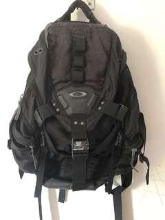 🚚 Authentic Oakley Icon Backpack preowned