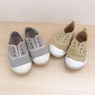 2 pairs Boys Slip On canvas shoes size 7, 8