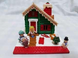 Rare Vintage Polly Pocket Christmas Wonderland Mini Ski Chalet/ Lodge Full Set (Bluebird 1993)