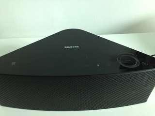 M5 Bluetooth speaker