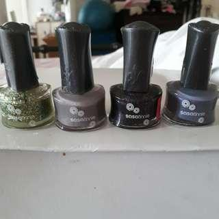 Sasatinnie nail polish