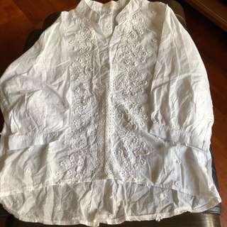 純白花花企領中袖裇衫