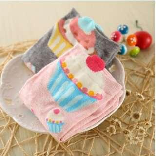 Women Cup Cake Pattern Cotton Blend Ankle Socks